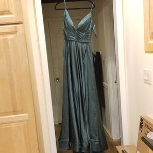 La Femme Ruched V-Neck A-Line Satin Gown SZ 10 NWT